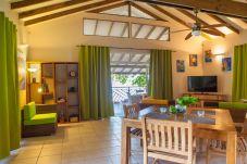 Villa in Poutoru - TAHAA - Private Beach Villa