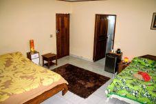Studio a Punaauia - TAHITI - Sanny's Place Family Room & Pool